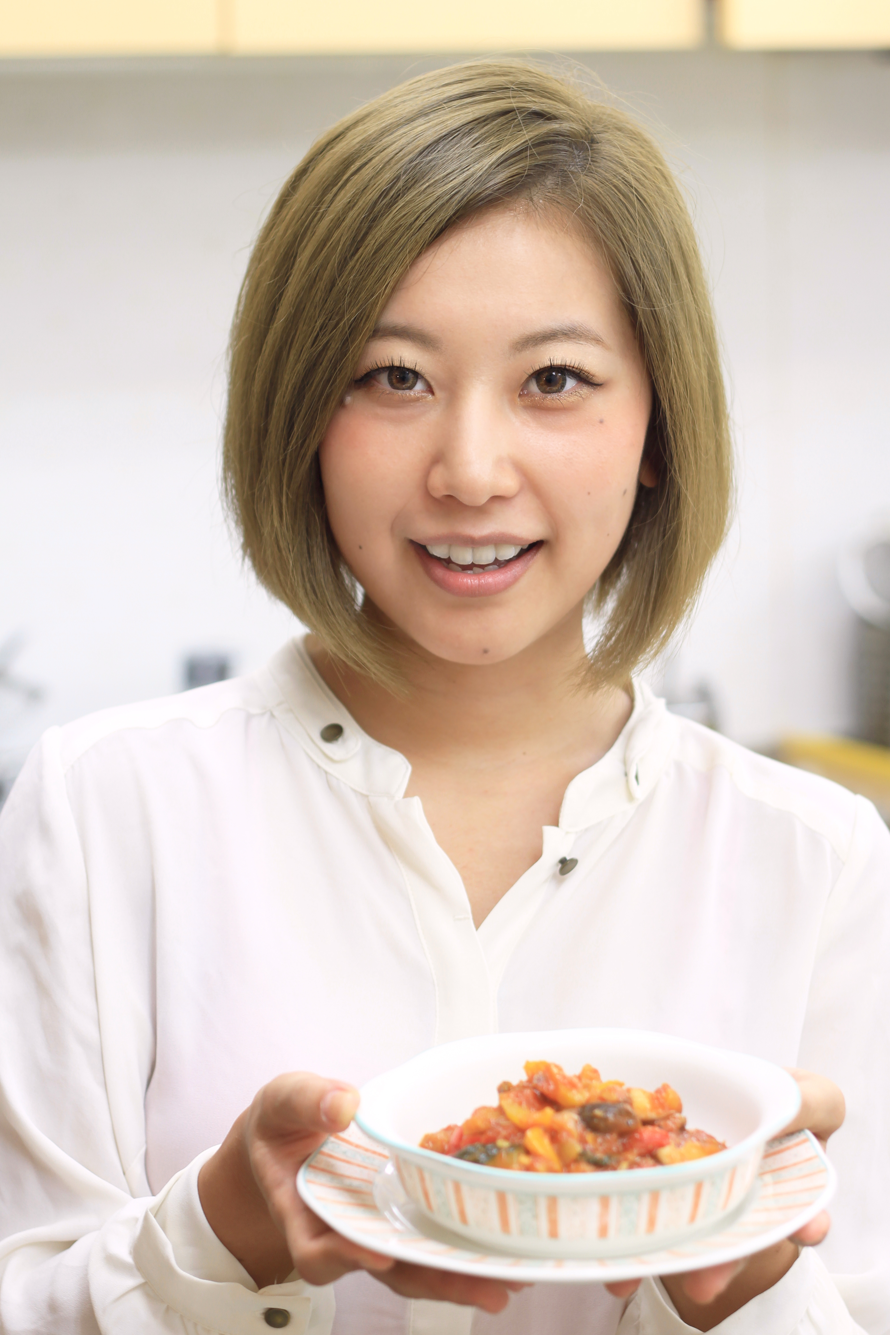 中村奈津子料理研究家の経歴に年齢や結婚と子供 …